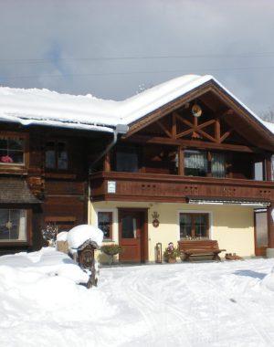 Appartements Schindler Winter außen